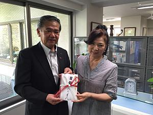 中村博生八代市長と八代亜紀